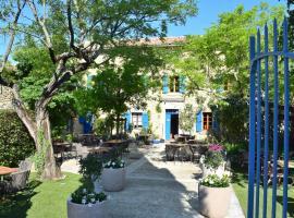 La Bastide Bleue, inn in Séguret