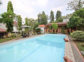 RedDoorz Plus @ Jalan Damai 2, guest house in Yogyakarta