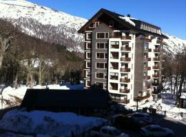 Andes Chillan Paraíso en la Montaña, hotel in Nevados de Chillan