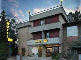 Hotel Anna Siena Nord, מלון בסיינה