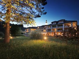 Hotel Hof Weissbad, hotel near Säntis, Weissbad