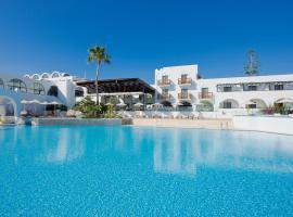 Oceanis Beach & Spa Resort, beach hotel in Psalidi
