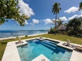 Eratap Beach Resort, hotel in Port Vila