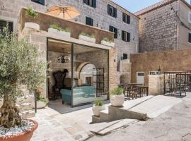 Heritage Palace Varoš, hotel near Jezinac Beach, Split
