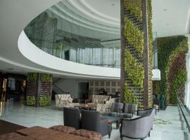 Regenta Central Hotel & Convention Centre Nagpur, hotel in Nagpur