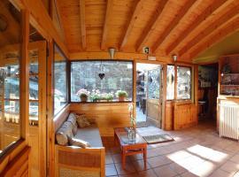 Xalet Refugi Pere Carné, hotel near Alabaus, La Molina