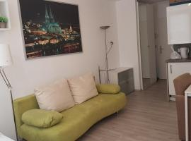 Sonniges Modernes Appartement Höhenberg, pet-friendly hotel in Cologne