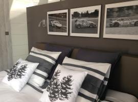 """Un matin au jardin"", hotel near Circuit Spa-Francorchamps, Francorchamps"