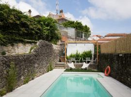 GuestReady - Cedofeita Pool Suites, hotel in Porto