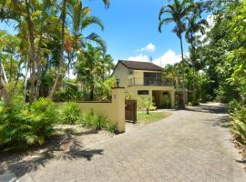 Sea La Villa Port Douglas, vacation home in Port Douglas