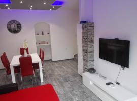 """Apartment """"M&M"""", hotel in Solin"""