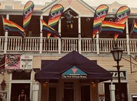New Orleans House - Gay Male-Only Guesthouse, vacation rental in Key West