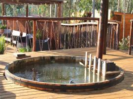 Lodge Bosques de San Jose, hotel en Algarrobo