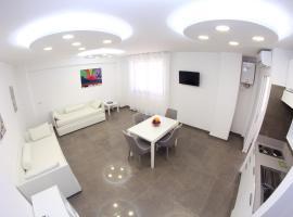 Mondo Suites Apartments, hotel in Naples