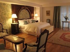 Hotel Club Frances, hotel near Recoleta Cultural Centre, Buenos Aires