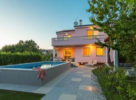 Villa Sweet Home Marija, holiday home in Split