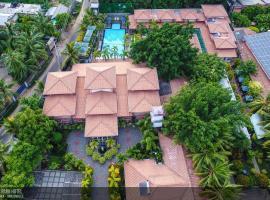 JKAB Park Hotel, отель в Тринкомали