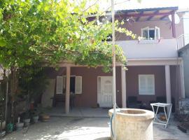 Apartments by the sea Nin, Zadar - 15732, budget hotel in Nin