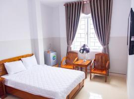 Hoang Thinh Hotel, khách sạn ở Kon Tum