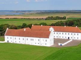 Danhostel Vitskøl Kloster, hotel i Ranum