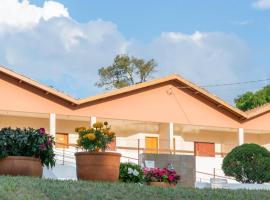 Pousada Flores do Campo, hotel perto de Parque Aquático Thermas Águas de Lindóia, Águas de Lindoia