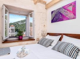 Successus Old Town House, hotel v destinaci Hvar