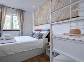 Successus Apartments, three-star hotel in Hvar