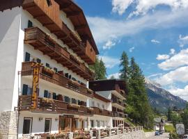 Hotel Des Alpes, hotel in Cortina d'Ampezzo