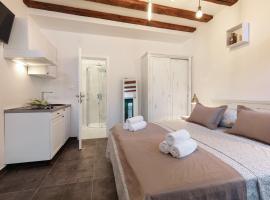Luxury Studio Apartments Insula, accessible hotel in Split