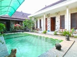 Nira Guest House, hotel in Sanur