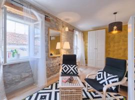 Luxury Apartment Fabris, hotel near Balbi Arch, Rovinj