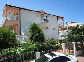 Apartments Majić, apartment in Hvar