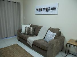 The Living Collective Apartments, hotel near Pietermaritzburg Airport - PZB,