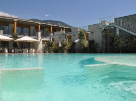 Tullio Hotel, hotel in Gravedona