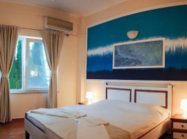 Hotel Atena, hotel din Costineşti