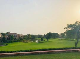 Beautiful Apartments at Tarudhan Valley Golf Resort, Manesar, accessible hotel in Gurgaon