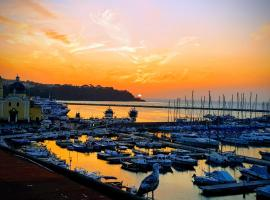 "casa vacanze""IL TRAMONTO"", self catering accommodation in Procida"