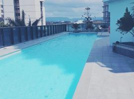 Circle Surfers Paradise Holidays, hotel near Infinity Maze, Gold Coast