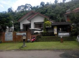 Villa Triniti I-35, pet-friendly hotel in Bandung