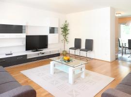 100 m2 Sunny Apartments - Schoenbrunn, hotel near Schönbrunner Gardens, Vienna