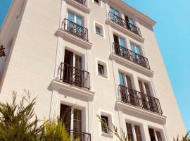 Ruby Palace, hotel a Vlorë