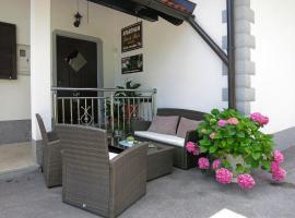 Apartment Petra i Nikola, hotel u Selištu Drežničkom