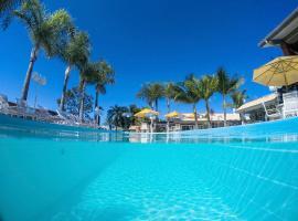 Pousada Ponta do Lobo, hotel with pools in Balneário Camboriú