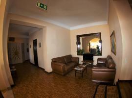 Residencial Sol, hotel in Portimão