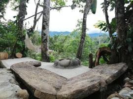 Jungle Roots Glamping, glamping site in Tena