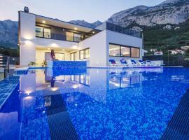 Villa Lacus, villa in Makarska