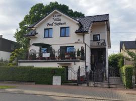 Villa Pod Dębem – hotel w pobliżu miejsca Wystawa Interaktywna Illuzeum w Łebie