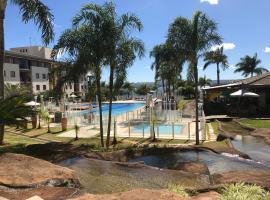 Flat em Resort incrivel a 10 min da Esplanada, STF e PGR, hotel in Brasilia