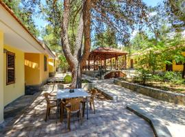 Platres Valley Houses, hotel in Platres