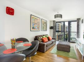 Beautiful, Secure, 2-bedroom Canal-side Apartment, hotel near Victoria Park, London